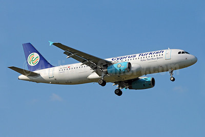 Cyprus Turkish Airlines Airbus A320-232 TC-TCC (msn 3259) LHR (Rob Skinkis). Image: 903482.