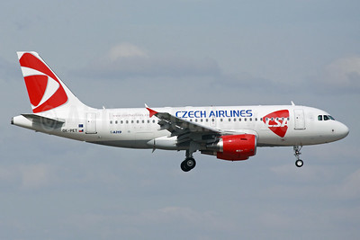 Czech Airlines-CSA Airbus A319-112 OK-PET (msn 4258) LHR (Michael B. Ing). Image: 938213.