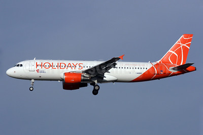 Holidays-Czech Airlines (CSA) Airbus A320-214 OK-HCB (msn 2180) LGW (Antony J. Best). Image: 907695.
