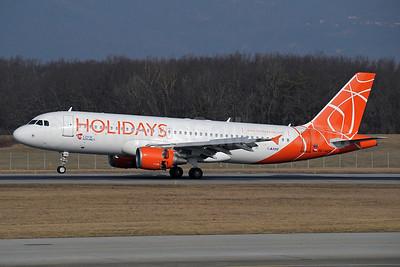 Holidays-Czech Airlines (CSA) Airbus A320-214 OK-HCB (msn 2180) GVA (Paul Denton). Image: 920453.