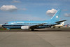Maersk Air (Denmark) Boeing 737-5L9 OY-APK (msn 28995) LGW (Bruce Drum). Image: 104214.