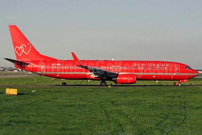 Sterling European Airlines (Sterling.dk) (2nd) Boeing 737-86Q WL OY-SEK (msn 30292) LGW (Antony J. Best). Image: 902210.