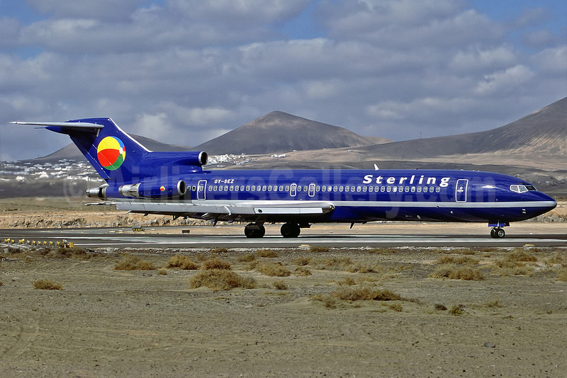 Sterling European Airlines (2nd) Boeing 727-2M7 OY-SEZ (msn 21202) ACE (Perry Hoppe). Image: 911398.