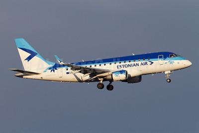 Estonian Air Embraer ERJ 170-100LR ES-AEC (msn 17000107) ARN (Stefan Sjogren). Image: 908217.