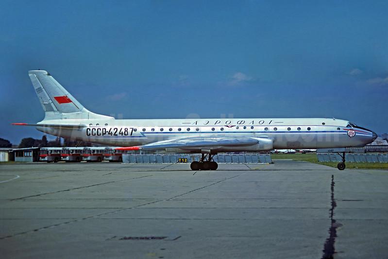 Aeroflot Russian International Airlines Tupolev Tu-104B CCCP-42487 (msn 021505) LBG (Christian Volpati Collection). Image: 933549.