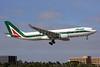 Alitalia (2nd) (Compagnie Aerea Italiana) Airbus A330-202 EI-EJP (msn 1354) MIA (Brian McDonough). Image: 911193.