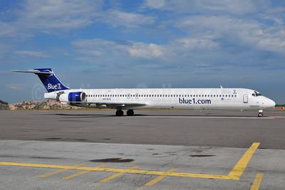 Blue1 McDonnell Douglas MD-90-30 OH-BLD (msn 53544) HEL (Ton Jochems). Image: 953326.