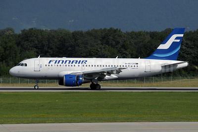 Finnair Airbus A319-112 OH-LVD (msn 1352) GVA (Paul Denton). Image: 910145.