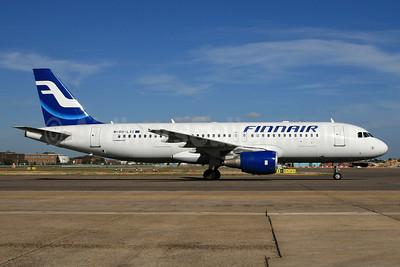 Finnair Airbus A320-214 OH-LXC (msn 1544) LHR (SPA). Image: 940578.
