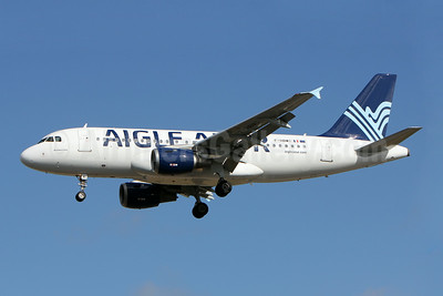 Aigle Azur Transport Aeriens (2nd) Airbus A319-114 F-HBMI (msn 639) LIS (Pedro Baptsta). Image: 923360.