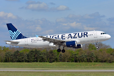 Aigle Azur Transport Aeriens (2nd) Airbus A320-214 F-HFUL (msn 2180) BSL (Paul Bannwarth). Image: 937596.