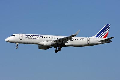 Air France (Regional Compagnie Aerienne Europeenne) Embraer ERJ 190-100LR F-HBLJ (msn 19000311) ZRH (Andi Hiltl). Image: 908243.