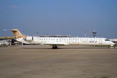 Brit Air (France) Bombardier CRJ1000 (CL-600-2E25) F-HMLA (msn 19004) ORY (Pepscl). Image: 906227.