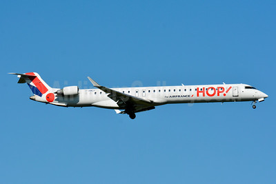 Hop! For Air France Bombardier CRJ1000 (CL-600-2E25) F-HMLF (msn 19010) BSL (Paul Bannwarth). Image: 923856.
