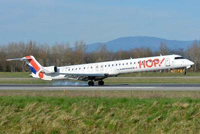 Hop! For Air France Bombardier CRJ1000 (CL-600-2E25) F-HMLM (msn 19023) BSL (Paul Bannwarth). Image: 923855.
