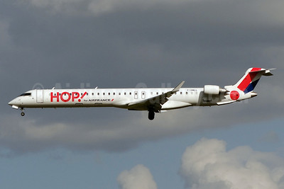 Hop! For Air France Bombardier CRJ1000 (CL-600-2E25) F-HMLL (msn 19017) NTE (Paul Bannwarth). Image: 913347.