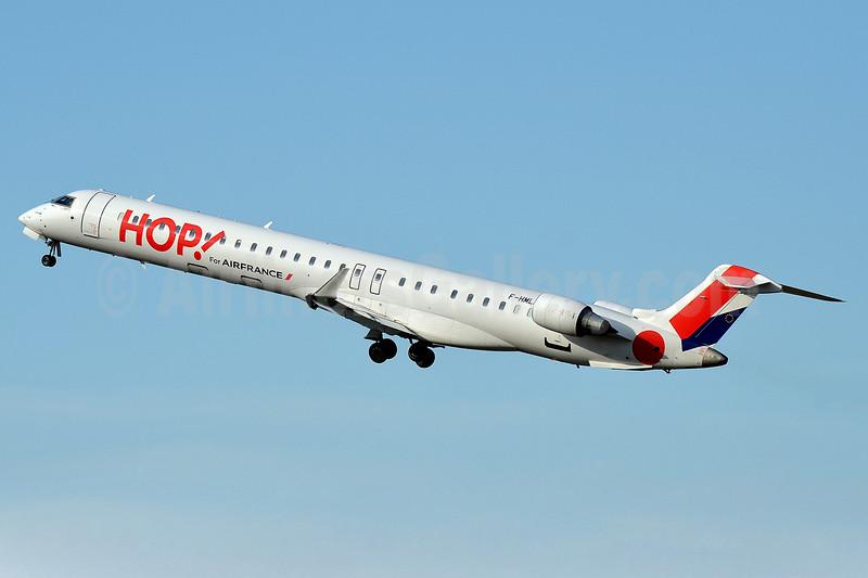 Hop! For Air France Bombardier CRJ1000 (CL-600-2E25) F-HMLH (msn 19013) PGF (Robbie Shaw). Image: 929857.