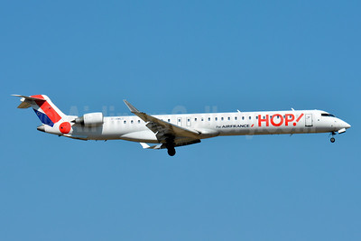 Hop! For Air France Bombardier CRJ1000 (CL-600-2E25) F-HMLC (msn 19006) BSL (Paul Bannwarth). Image: 923855.