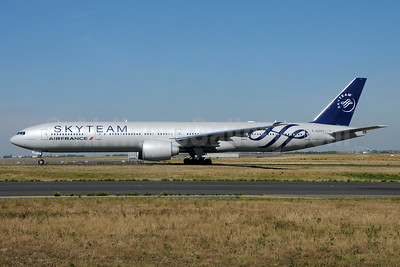 Air France Boeing 777-328 ER F-GZNT (msn 38705) (SkyTeam) CDG (Karl Cornil). Image: 938762.