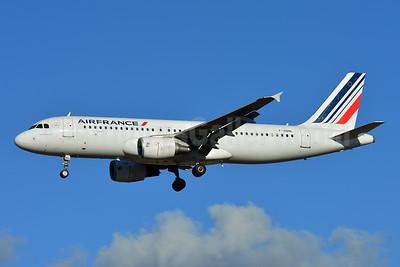Air France Airbus A320-214 F-HBNL (msn 5129) TLS (Paul Bannwarth). Image: 935821.
