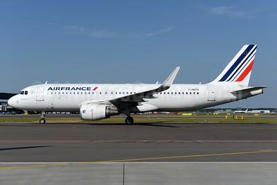Air France Airbus A320-214 WL F-HEPH (msn 5869) AMS (Ton Jochems). Image: 937982.