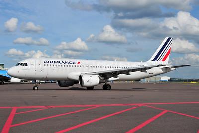 Air France Airbus A320-211 F-GJVW (msn 491) AMS (Ton Jochems). Image: 955098.
