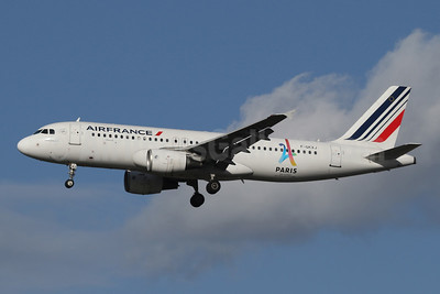 Air France Airbus A320-214 F-GKXJ (msn 1900) (Paris-Candidate City 2024 Olympic Games) LHR (SPA). Image: 944567.