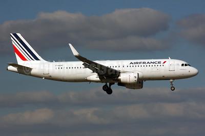 Air France Airbus A320-214 WL F-HEPF (msn 5719) LHR (SPA). Image: 935822.