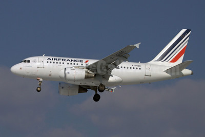 Air France Airbus A318-111 F-GUGE (msn 2100) TLS (Clement Alloing). Image: 907696.