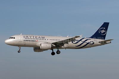 Air France Airbus A320-214 F-GKXS (msn 3825) (SkyTeam) ZRH (Andi Hiltl). Image: 944565.