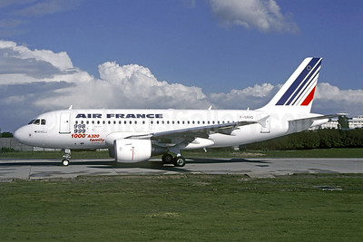 """""""1000th A320 Family"""" markings, delivered April 14, 1999"""