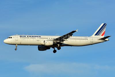 Air France Airbus A321-111 F-GMZA (msn 498) TLS (Paul Bannwarth). Image: 935823.