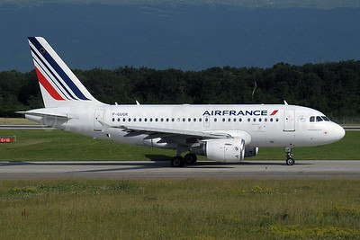 Air France Airbus A318-111 F-GUGK (msn 2601) GVA (Paul Denton). Image: 910011.