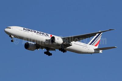 Air France Boeing 777-328 ER F-GSQF (msn 32849) IAD (Brian McDonough). Image: 955501.