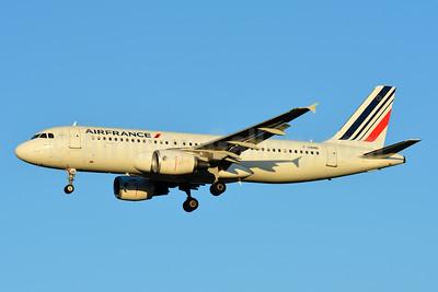 Air France Airbus A320-214 F-HBNB (msn 4402) TLS (Paul Bannwarth). Image: 935819.