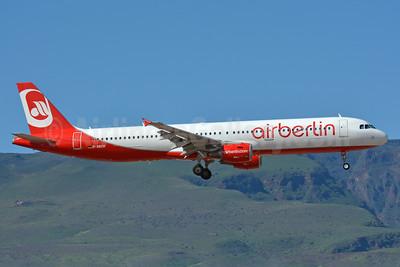 Airberlin (airberlin.com) Airbus A321-211 D-ABCH (msn 4728) LPA (Paul Bannwarth). Image: 928477.
