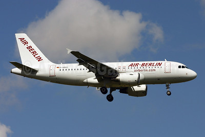 Air-Berlin (airberlin.com) Airbus A319-111 D-ABGG (msn 3202) STN (Terry Wade). Image: 900276.