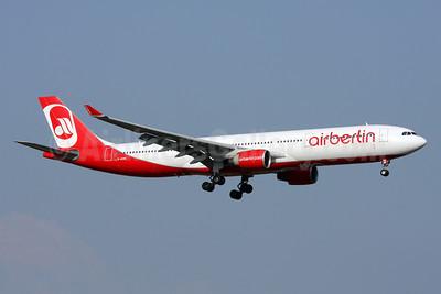 Airberlin (airberlin.com) Airbus A330-322 D-AERK (msn 120) AYT (Andi Hiltl). Image: 911449.