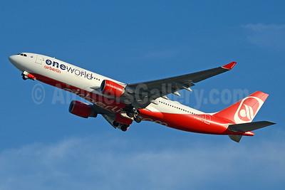 Airberlin (airberlin.com) Airbus A330-223 D-ABXA (msn 288) (Oneworld) JFK (Jay Selman). Image: 403673.