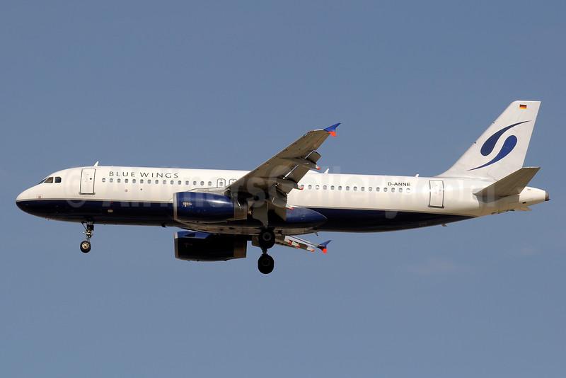 Blue Wings Airbus A320-232 D-ANNE (msn 1557) DXB (Paul Denton). Image: 934781.