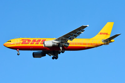DHL (European Air Transport Leipzig) Airbus A300B4-622R (F) D-AEAJ (msn 641) BSL (Paul Bannwarth). Image: 930526.