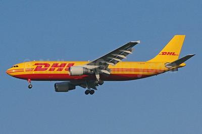 DHL (European Air Transport Leipzig) Airbus A300B4-622R (F) D-AEAM (msn 797) BSL (Paul Bannwarth). Image: 930528.