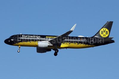 "Germanwings' 2016 ""Borussia Dortmund Mannschaftsairbus"" (Team Airbus) logo jet"