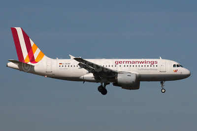 Germanwings (2nd) Airbus A319-112 D-AKNP (msn 1155) LHR (SPA). Image: 937363.