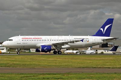 Hamburg Airways Airbus A320-214 EI-EZA (msn 888) SEN (Keith Burton). Image: 911952.