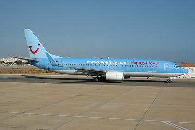 Hapag-Lloyd Flug (hapagfly.com) Boeing 737-8K5 WL D-ATUI (msn 30287) FAO (Ton Jochems). Image: 953649.