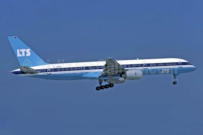 LTS (Lufttransport Sud) Boeing 757-2G5 D-AMUR (msn 23118) ATH (Richard Vandervord). Image: 949146.
