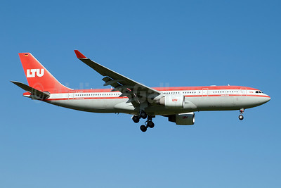 LTU International Airways Airbus A330-223 D-ALPC (msn 444) DUS (Jay Selman). Image: 404020.
