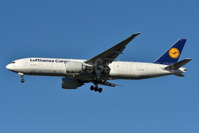Lufthansa Cargo Boeing 777-FBT D-ALFC (msn 41676) JFK (Fred Freketci). Image: 938089.