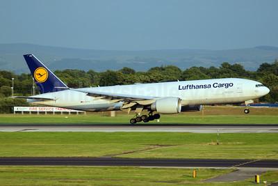 Lufthansa Cargo Boeing 777-FBT D-ALFC (msn 41676) MAN (Rob Skinkis). Image: 924034.